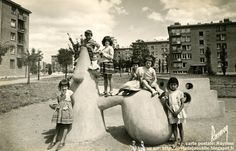 Petit Clamart - Sculptures Jeux d'enfants - Cité de la Plaine  Sculpteur: Pierre Székely  Création:  1957