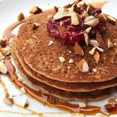 I have been having cinnamon protein pancakes a lot since being on uni holidays. A slight variation from previous posts but  definitely one to try for the weekend 🙌🏼 They are full of nutrients and deliciousness. I also made the raspberry chia jam which is on top. Comment if you want the super simple 3 ingredient recipe for it! Macros/Micros attached in the additional images for the pancakes. . RECIPE . 80g @bobsredmill GF Oats 1/2 tsp baking powder 1/2 tsp cinnamon 1/2 tsp sweetener…