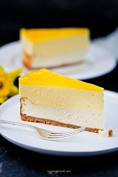 Cheesecake mousse with mango