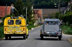 2cv Citroën AK 400 à Votre service... Doubler un peu...