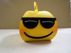 Emoji Curvy Keepsake  box makes a really cute party favor, treat box, decoration, classroom treat and more! (Cool Crafts Emoji)