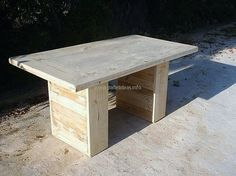 wooden-pallet-table