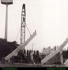 Bouw PSV stadion. Eindhoven, Utility Pole, Bungalow, Historia, Bungalows, Rambler House, Craftsman Bungalows
