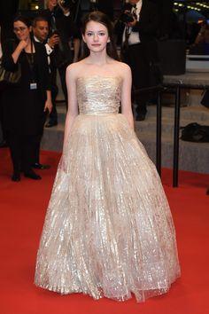 Mackenzie Foy en robe Oscar de la Renta pré-collection automne-hiver 2015-2016