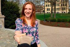 O braço selfie é uma solução para o problema de estar sozinho (Foto: Reprodução)
