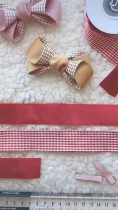 Diy Ribbon, Ribbon Crafts, Fabric Crafts, Sewing Crafts, Ribbon Hair, Scrap Fabric Projects, Ribbon Flower, Making Hair Bows, Diy Hair Bows