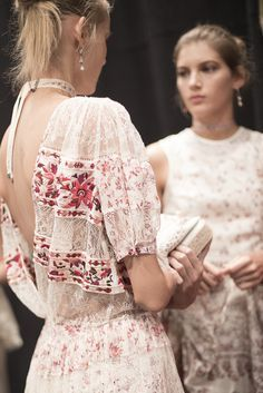 lace dress + romantic embroidery | Etro Spring 2016