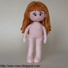 Boneca de Pano: Boneca de Feltro Simples - corpo com passo a passo