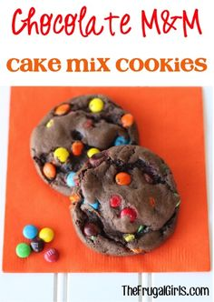 Chocolate M&M Cake Mix Cookies Recipe! ~ from TheFrugalGirls - this Easy cookie recipe is SO delicious and makes the perfect M M dessert! Cake Mix Cookie Recipes, Cake Mix Cookies, Cookie Desserts, Yummy Cookies, Dessert Recipes, Sandwich Cookies, Shortbread Cookies, Cupcakes, Lemond Curd