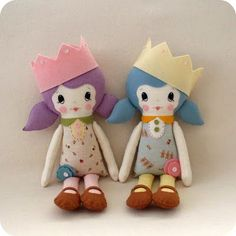 Gingermelon Dolls: Free Doll Pattern for you to Download!:  It's a doll pattern that you can download and best of all, they're easy.