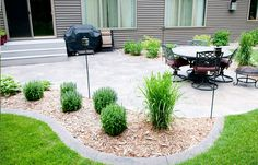 Cheap Easy Patio Ideas Patio Design Ideas, Pictures, Remodel and Decor - Gartengestaltung Inexpensive Landscaping, Large Backyard Landscaping, Backyard Patio Designs, Landscaping Design, Landscaping Plants, Backyard Pavers, Flagstone Patio, Patio Plants, Inexpensive Patio Ideas