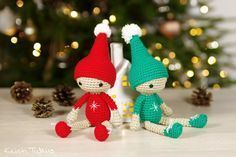 Free Crochet Pattern: Small Christmas Elves
