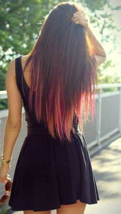 I gonna do this to my hair this summer!!!!!!! Not sure if I should do blue or red.