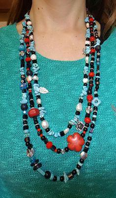 Colgante largo triple con perlas, cristales, piedras y cuentas de madera y piedra lava
