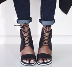 Black leather heels sandals for women, to wear with jeans this spring.