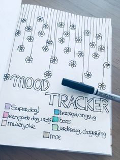 Mood tracker march/maart in your bullet journal. #bulletjournal #moodtracker #march #maart #bujo #bloemen