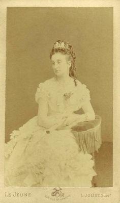 Princesa Real D. Isabel de Orleães Condessa de Paris Editorial: Real Lidador Portugal Autor: Rui Miguel
