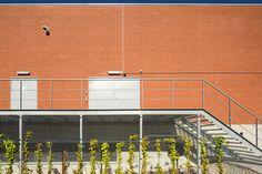 Colruyt #Stadsbader #Building #retail Building Department, School Building, Retail, Sleeve, Retail Merchandising