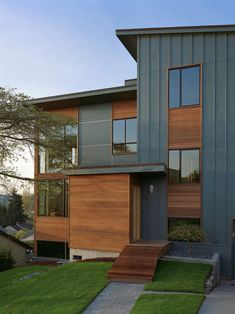 Wonderful Board Batten Wood Siding Home Designs: Zipper House Modern Exterior Hardy Board Type Siding With Exact Color Of Cedar Siding And Wood Installation Style ~ aureasf.com Decorating Inspiration