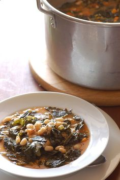 White Bean and Kale Ribollita: Inspired by a Jamie Oliver recipe, this white bean and kale dish screams comfort food. Filled with protein-packed beans and tons of veggies, this definitely has the makings of a great main course. Source: Stone Soup