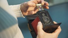 Clever Instant Camera Made from Cardboard