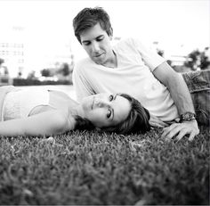 Jessica & Richard's Engagement shoot. Photography: Sarah Ainsworth #wedding #inspiration #engagement