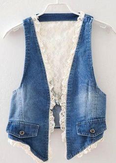 Denim lace vest - great idea for jeans upcycle Diy Clothing, Sewing Clothes, Gilet Jeans, Denim Vests, Diy Vetement, Denim Ideas, Denim Crafts, Denim And Lace, Recycled Denim