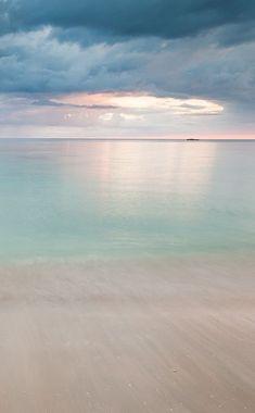Carribean Light (this is what I imagine Heaven to look like) Sea And Ocean, Ocean Beach, Image Zen, Ligne D Horizon, Beach Please, All Nature, Beautiful Beaches, Beautiful World, Simply Beautiful