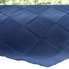 Essa manta feita em tricô é confeccionada artesanalmente! Linda, confortável e muito quentinha! #manta #cobertor #enxovaldebebe #lilibee
