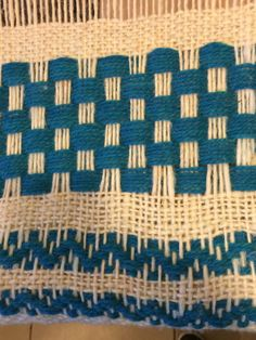 Weaving Textiles, Weaving Patterns, Tapestry Weaving, Loom Weaving, Hand Weaving, Macrame Art, Weaving Projects, Weaving Techniques, Loom Knitting