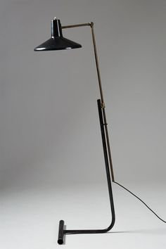 Floor lamp designed by Gino Sarfatti for Arteluce, Italy. 1948. — Modernity