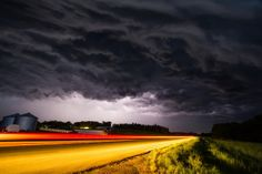 Breathtaking Snapshots of Storms by Mike Hollingshead