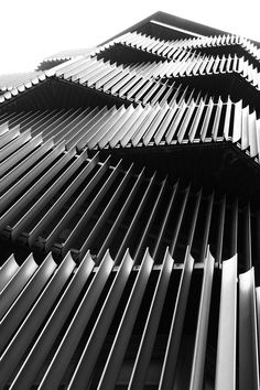 fachadas You are in the right place about cafe facade Here we offer you the most beautiful pictures about the facade drawing you are looking for. When you examine the fachadas part of the picture you Architecture Metal, Amazing Architecture, Contemporary Architecture, Tokyo Architecture, Interactive Architecture, Fashion Architecture, Building Architecture, Architecture Portfolio, Metal Facade