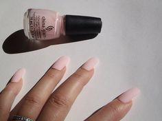 unghie finte rosa confetto mat matte nail art unghie artificiali smalto rosa matrimonio sposa nail nude trending squadrate lasoffittadiste