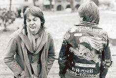 """""""Briardin Andy McCoy (vas.) ja Pete Malmi esittelevät kotimaista ja kotikutoista punktyyliä loppuvuodesta 1977."""""""