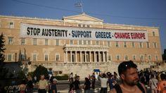 ग्रीस संकट: लोगों ने बैंकों से निकाले अरबों यूरो Check more at http://www.wikinewsindia.com/hindi-news/bbc-hindi/bbc-hindi-international/%e0%a4%97%e0%a5%8d%e0%a4%b0%e0%a5%80%e0%a4%b8-%e0%a4%b8%e0%a4%82%e0%a4%95%e0%a4%9f-%e0%a4%b2%e0%a5%8b%e0%a4%97%e0%a5%8b%e0%a4%82-%e0%a4%a8%e0%a5%87-%e0%a4%ac%e0%a5%88%e0%a4%82%e0%a4%95%e0%a5%8b/