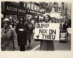 Dagmar Wilson døde 6. januar i år 2011 - 94 år gammel. Dette er historien om en trebarnsmor som organiserte tidenes protest mot den kalde krigens atomprøvesprengninger. Med enkle midler fikk hun 50.000 kvinner til å protestere mot dette overgrepet og sto imot alt som smakte av beskyldninger om kommunisme. Her gikk McCarthy-gjengen på en skikkelig smell. Read more on the address below!!