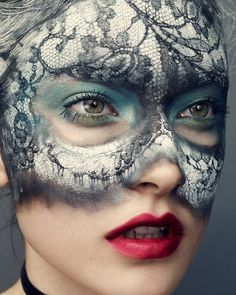 jacqueline jablonksi in vogue china. I'm going to remember this for if I ever go to a masquerade party! Pretty sure I could figure out something similar with lace and different eyeliner