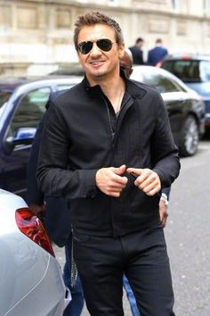 Jeremy Renner @Renner4Real  is so charmer