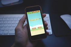 Phones With Flappy Bird Installed Are Selling for Thousands