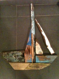Driftwood sailingboat | Recyclart