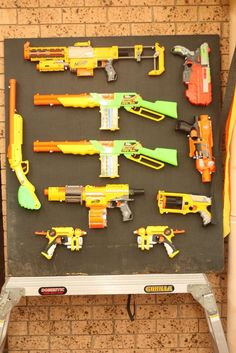 The best Nerf party decoration ideas! Do you need some fun and cool party decor ideas for your upcoming Nerf birthday party? Nerf Birthday Party, Nerf Party, 10th Birthday Parties, Birthday Party Decorations, Party Themes, Party Ideas, Birthday Ideas, Event Themes, 8th Birthday