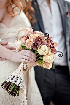 Vintage-Lace-Wedding-Bouquet