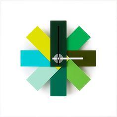 Normann Copenhagen Watch Me vægur - grøn Wall Clocks Uk, Minimalist Wall Clocks, Cadeau Design, Design Bestseller, Wall Clock Design, Magnetic Wall, Design Within Reach, Colors, Facades