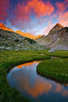 Reflections multicolored Posets and Maladeta P.Nt, Huesca, Spain - photo by Fotografa de Paisaje - Enrique F. Ferr