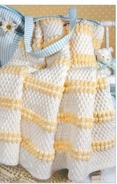 Crochet For Babies A playful little blanket to crochet for new baby The Little Encyclopedia of Baby Blankets - Find the Perfect Crochet Baby Blanket Pattern with the Encyclopedia of Baby Blankets Baby Afghan Patterns, Baby Afghan Crochet, Manta Crochet, Crochet Bebe, Baby Afghans, Knit Or Crochet, Crochet Blanket Patterns, Crochet Stitches, Crocheted Afghans