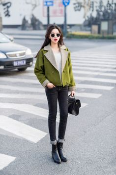 Love the colour of jacket. Adds so much interest to the out-fit.