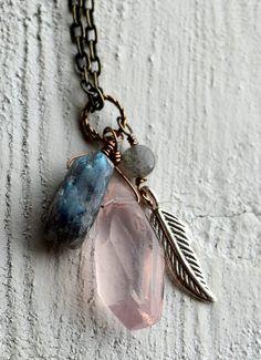 Largo collar de piedras preciosas pepita pluma por KahiliCreations