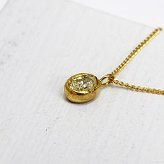 hirondelle k18 hn-339 オーバルダイヤ ネックレス