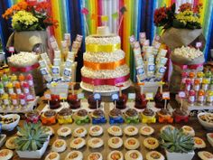 http://www.festadeaniversario.net/ideias-de-festa-junina-para-criancas/linda-decoracao-de-festa-junina/